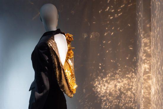 Visite : à la découverte de l'expo Back Side – Fashion from Behind